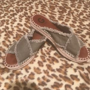Guess cloth sandals